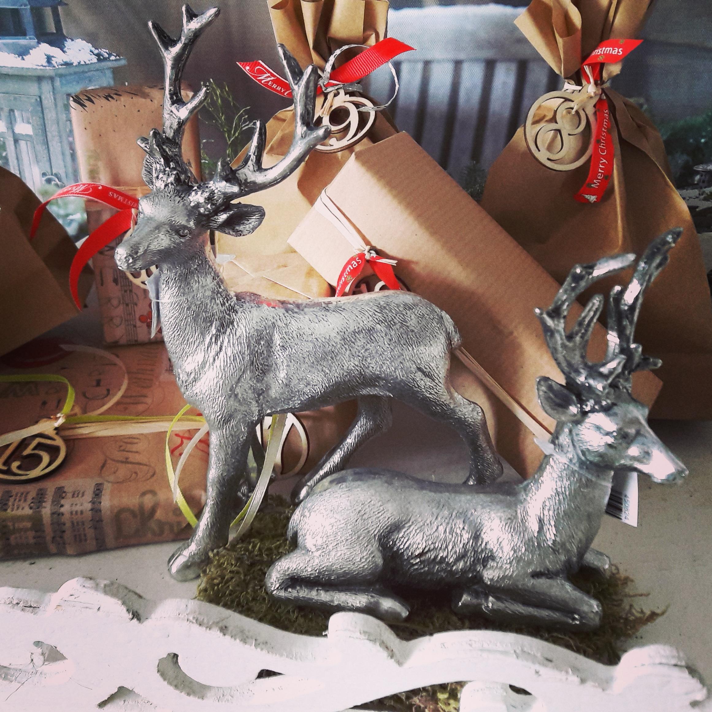 Weihnachtsdeko Hirsch sitzend silber